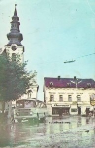 Stari Gospic, stari autobus u centru