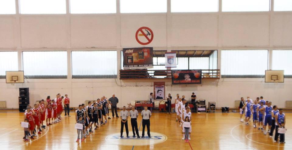 Екипе постројене пред почетак турнира (фото Милорад Судар)
